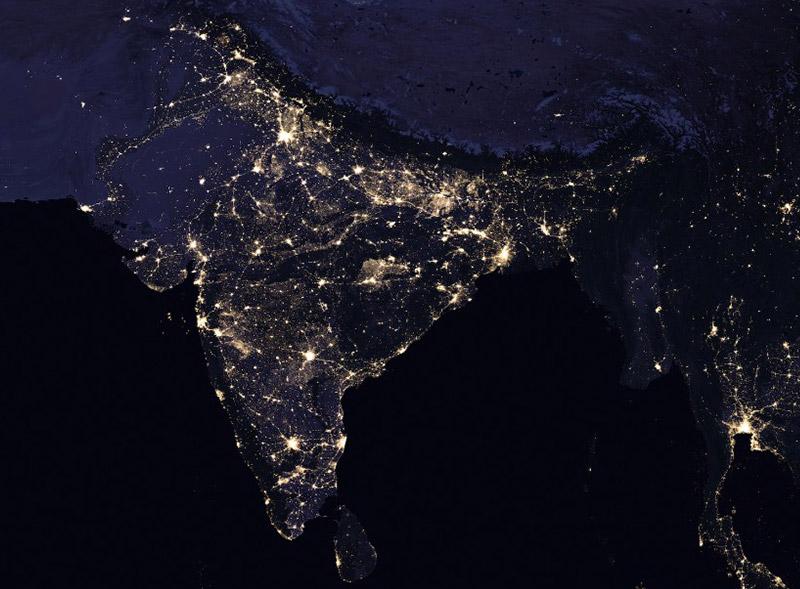 美国宇航局的夜间卫星图像显示印度城市的巨大增长